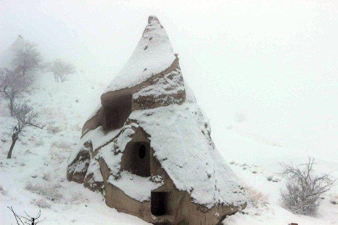 Kapadokya'da Mart Ayında Kar Yağdı