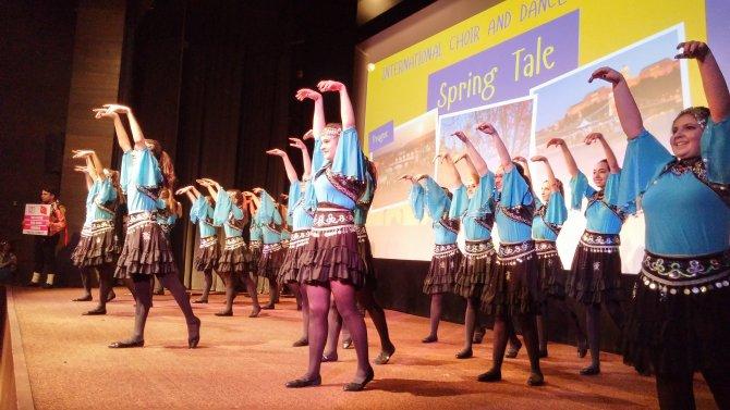 Türk öğrenciler, dans festivalinden madalya ile döndü