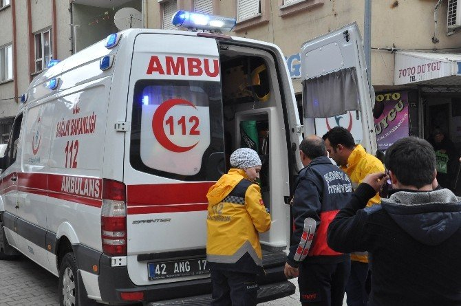 Akşehir'de Çatı Yangını Korkuttu