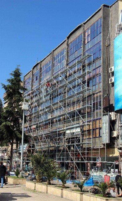 Cumhuriyet Meydanı Restorasyon Çalışmaları Başladı