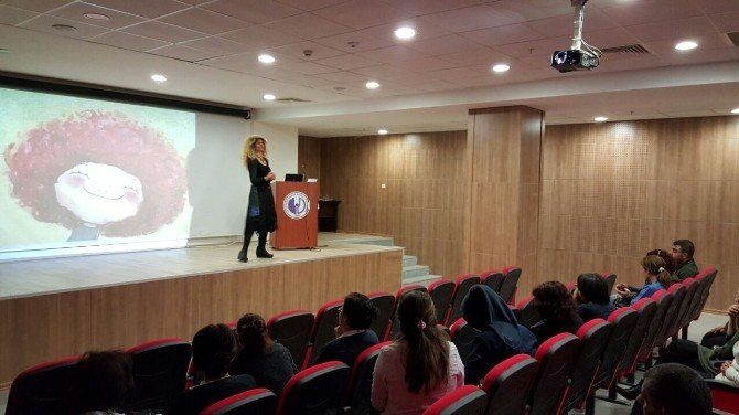 Erişkin Yoğun Bakım Servislerinde Görev Yapan Personele Yönelik Eğitim Çalışması Yapıldı
