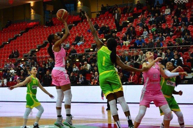 AGÜ Spor Son Çeyrekte Kazandı