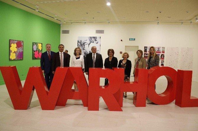 """""""Andy Warhol: Herkes İçin Pop Sanat"""" Sergisi Antalya'da"""