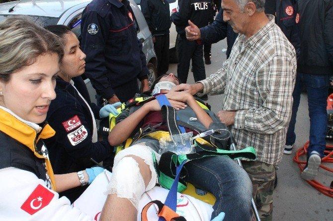 Kaza Yapan Bisikletli Çocuğun Ayağına Demir Saplandı