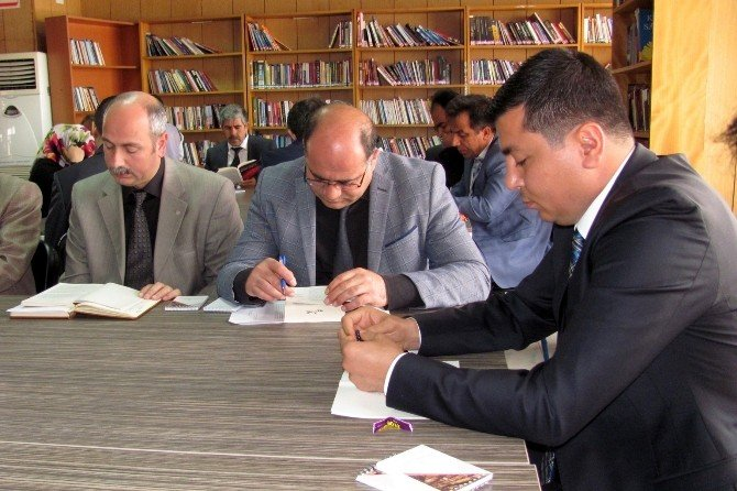 Kent Protokolü Kütüphane Haftasını Kitap Okuyarak Kutladı