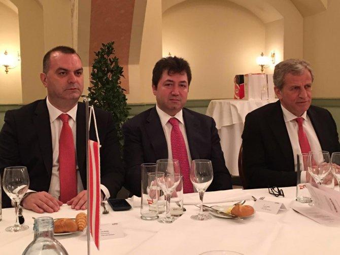 Heyetler Avusturya-Türkiye resmi maç yemeğinde bir araya geldi