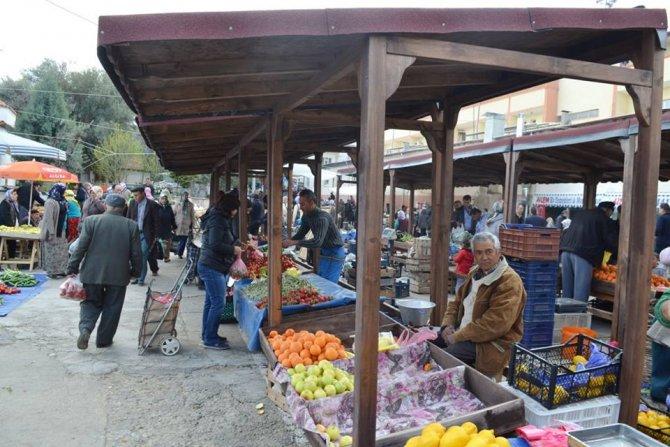 Karacasu pazar yerine nostalji stantlar yapıldı