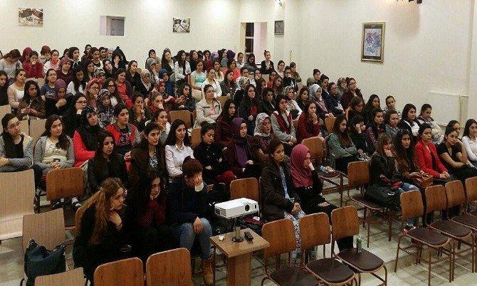 YURT-KUR Öğrencileri İle Üniversite Öğrencileri Buluştu