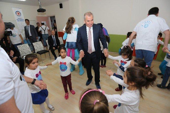 Başkan Zolan Çocuklarla Oyun Oynadı