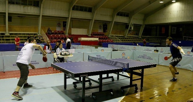 Büyükşehir Belediyesi Çalışanları Masa Tenisi Turnuvasında Karşılaştı