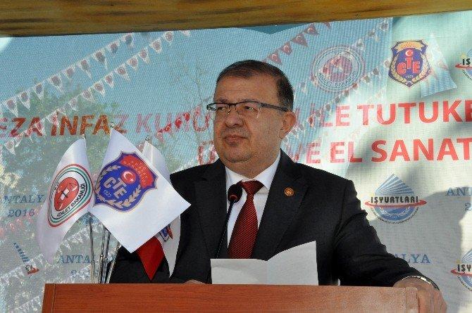 62 Cezaevinde Kalan Mahkumların Eserleri Antalya'da Görücüye Çıktı