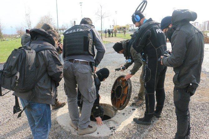 Polis, Kanalizasyonda Bile Bomba Araması Yaptı