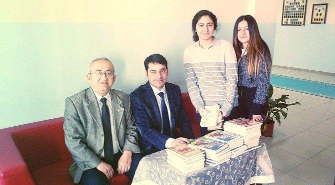 Eğitimci Yazar-şair Alper Tunga Kumtepe, İMKB Öğrencileriyle Buluştu