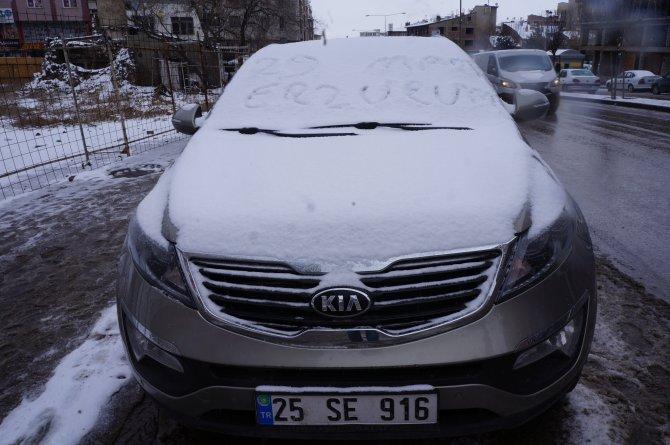Erzurum'da mart kapıdan baktırmaya devam ediyor