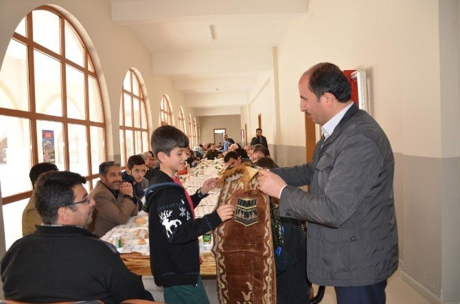 'Ailecek Camideyiz' Etkinliğine Yoğun İlgi