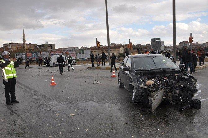 Kaza Sonrası Alev Alan Araç İtfaiye Tarafından Söndürüldü