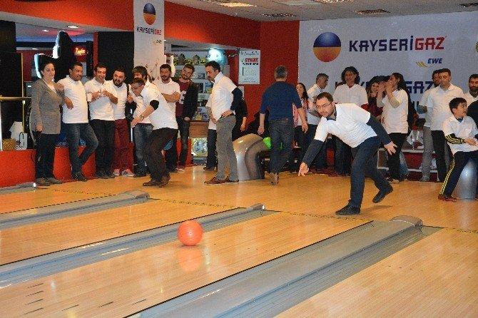 Kayseri Basını Kayserigaz Bowling Turnuvasında Buluştu