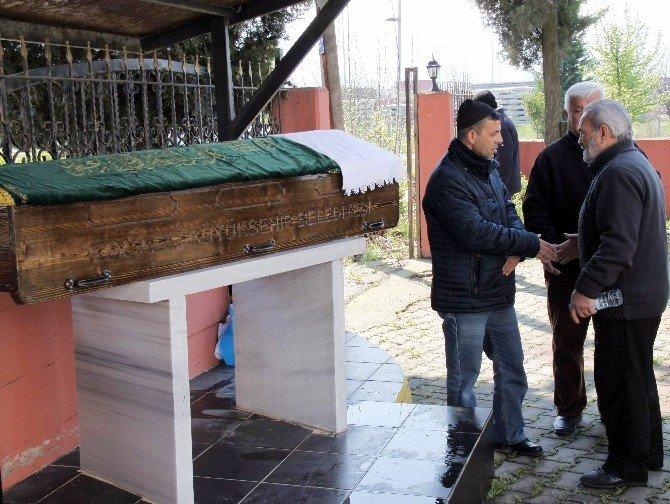 Babası Tarafından Öldürülen Kanser Hastası Genç Toprağa Verildi