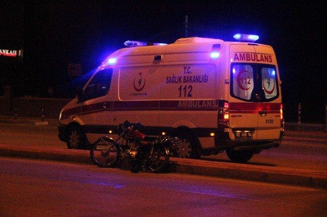 Refüje Çarpan Motosiklet Sürücüsü Ağır Yaralandı