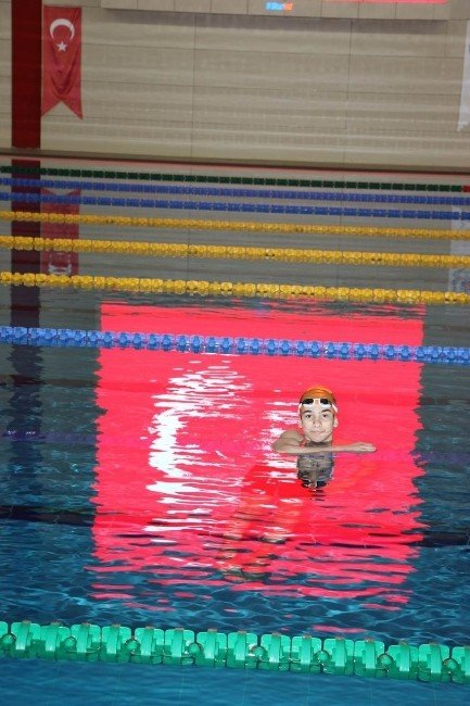 Mersinli Yüzücü, 26 Yıldır Kırılamayan Rekoru Kırdı
