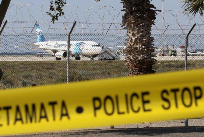 Mısır uçağındaki 5 yolcu dışında tümü serbest