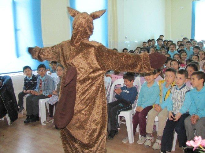 'Mor Çilek Çocuk Tiyatrosu' Hisarcık'ta