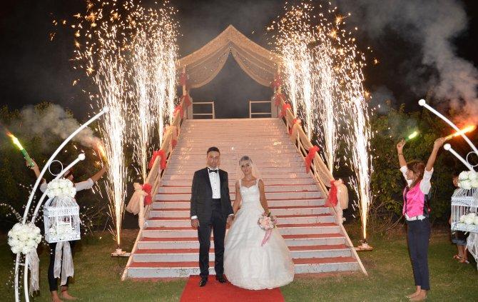 Şehit yüzbaşının 7 ay önceki düğün görüntüleri