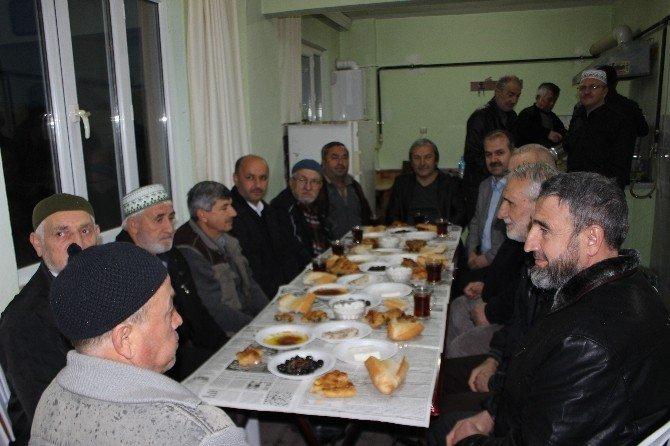 Ertuğrul Gazi Camii Cemaati Cuma Sabahları Kahvaltıda Buluşuyor