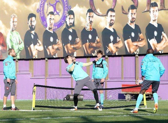 Osmanlıspor'da Fenerbahçe Maçı Hazırlıkları Sürüyor