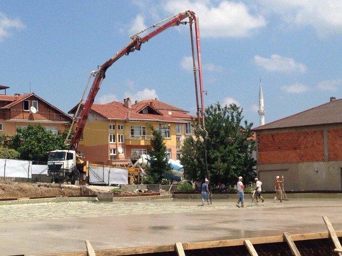 """Serdivan'da """"Çok Amaçlı Kapalı Pazar Yeri"""" Projesi Devam Ediyor"""