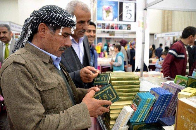 Siirt'te Kitap Fuarı Açıldı