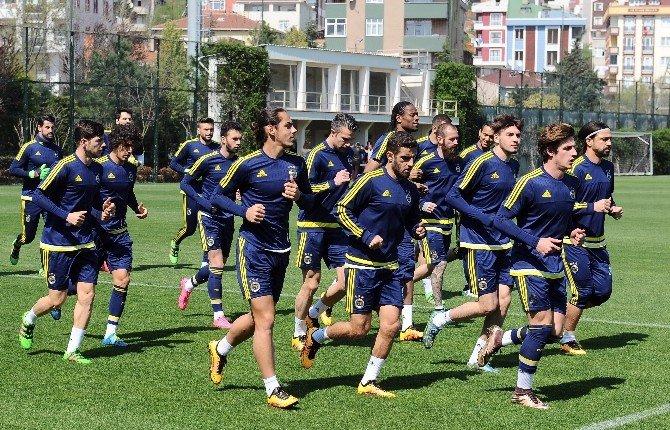Fenerbahçe, 3 Gün Aradan Sonra Antrenmanlara Başladı