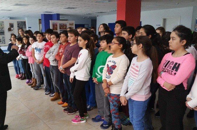 Öğrenciler Çanakkale'yi Okullarında Yaşadı