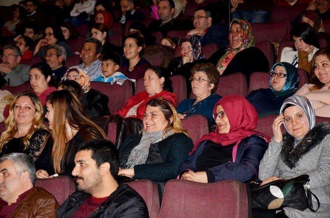 Dünya Tiyatrolar Günü, Edremit'te Kutlandı