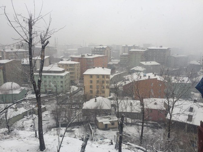 Yüksekova'da Operasyonlar, Olumsuz Hava Koşullarına Rağmen Devam Ediyor