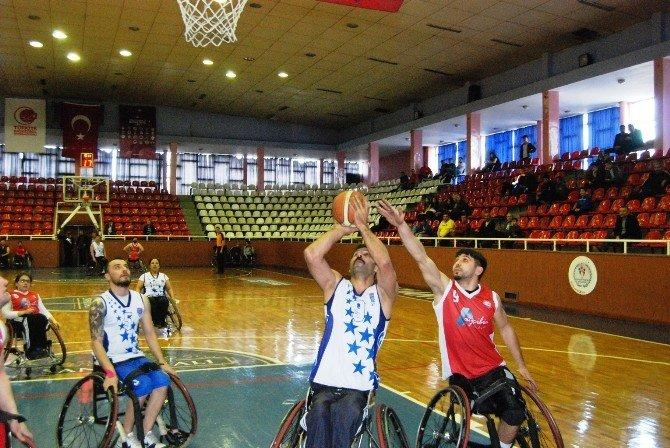 Büyükşehir Tekerlekli Sandalye Takımı Galibiyet Serisini Devam Ettiriyor