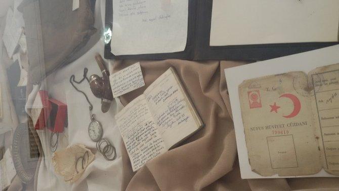 Aşık Veysel'in torunu Sebahattin'den dedesine vefa sergisi