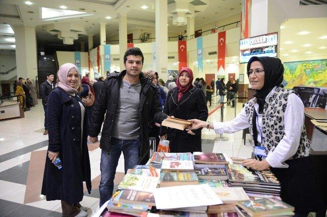 Yıldırım Belediyesi'nden 10 Bin Kitap