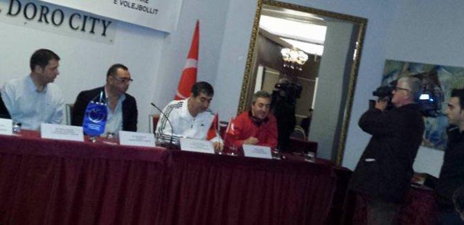 Arnavutluk Voleybol Federasyonu'nun düzenlediği hakem semineri sona erdi