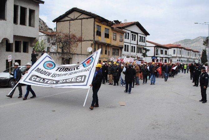 Amasya'da Madenciler Yürüyüş Yaptı