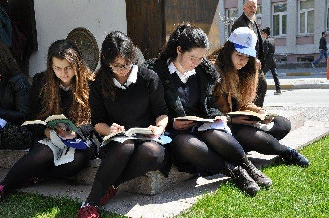 Okuma Etkinliğinde Kütüphane Müjdesi
