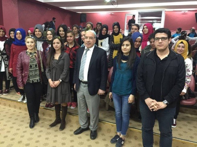 Bozova Meslek Lisesi Öğrencilerine Çocuk Gelişimi Anlatıldı