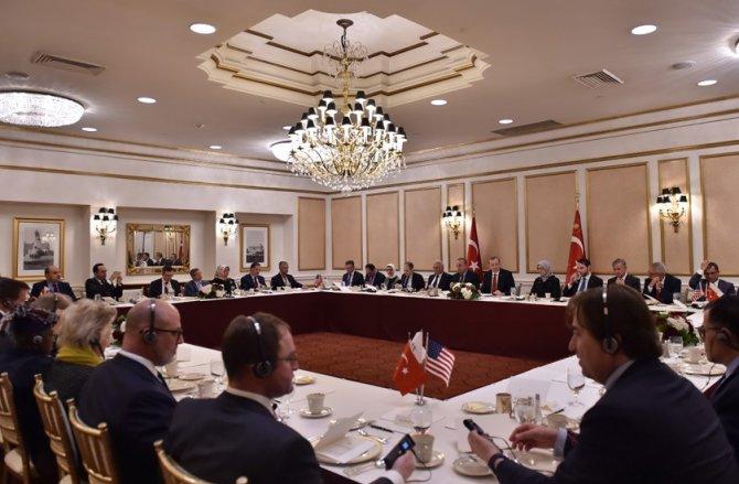 Cumhurbaşkanı Erdoğan, düşünce kuruluşu temsilcileriyle bir araya geldi