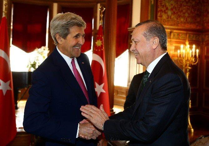 Cumhurbaşkanı Erdoğan, ABD Dışişleri Bakanı Kerry İle Görüştü