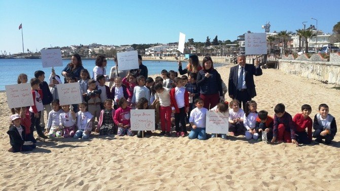 Didim Atatürk Okulu Öğrencileri Plaj Temizliği Yaptı