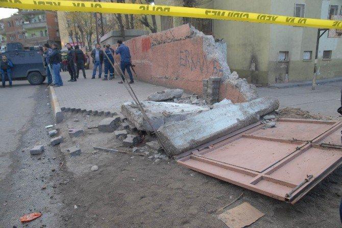 Vinç Okul Duvarına Çarptı: 2 Çocuk Öldü, 1 Çocuk Yaralı