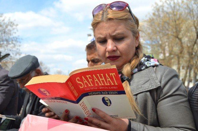 Malatya'da Yarım Saat Kitap Okuma Etkinliği Düzenlendi