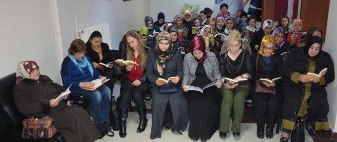 AK Parti Kadın Kollarından Öğrencilere Kitap