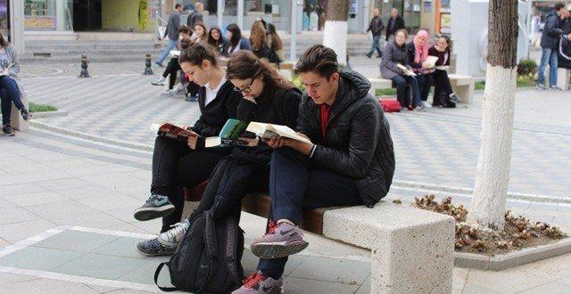 Açık Havada Kitap Okuma Keyfi