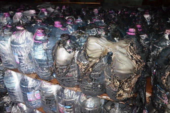 Alkollü Şahıs Su Dolu Şişeleri Yakmaya Çalıştı